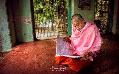 Burmese nun has more than 90 years old and a heart for more than 90 million person
